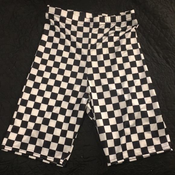 8cb87c13fb05e Checkered high waisted biker shorts. M_5c4fb5d5951996a3bc9e7e70